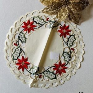 Embroidered & cutwork poinsettia linen